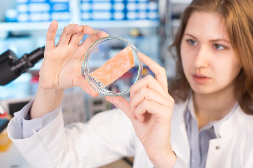 继太子乐、味全之后,华威乳业旗下奶粉也检出阪崎肠杆菌!