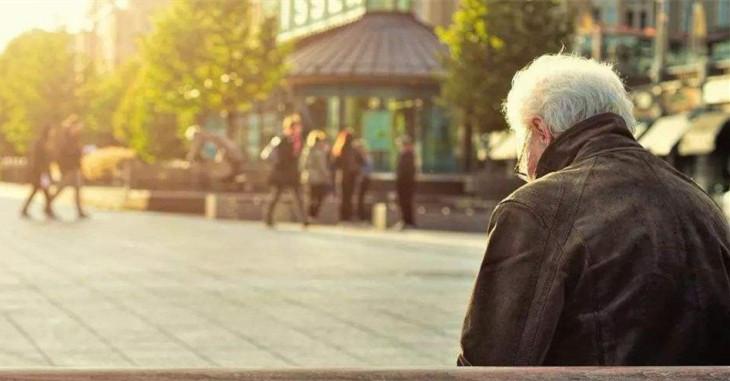 法与经济学 | 老人去世无继承人,房产归国有?