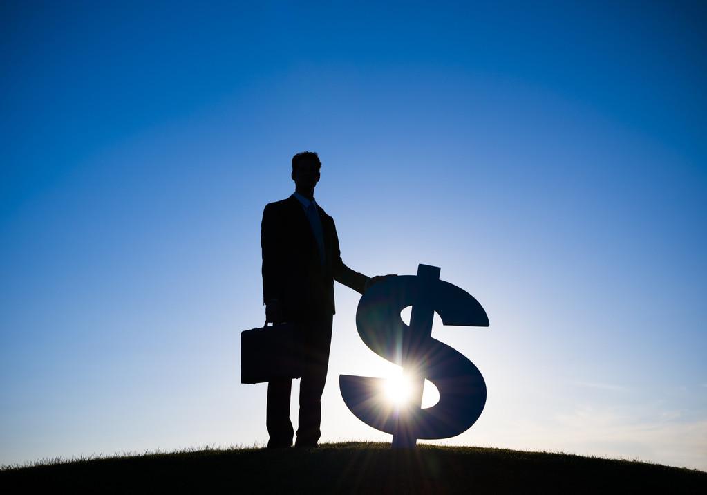 血泪工薪族:工资涨不上去,债务越压越重