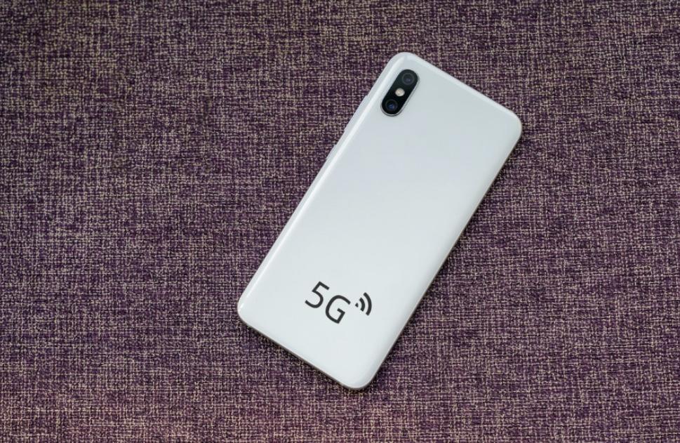 5G手机成标配 新品频出